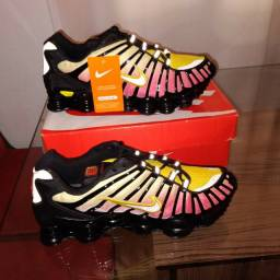 1por 290 ou 2 Nike shox 12 molas Premium refletido  550