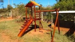 ? Playground Com Casinha De Madeira + escorregador e balanço