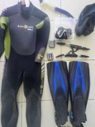 Roupa Aqualung com nadadeiras molas inox, botas e máscara