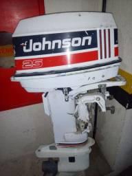 Motor de popa Johnson 25Hp em excelente estado.