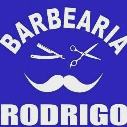 CONTRATA BARBEIRO TAGUACENTER