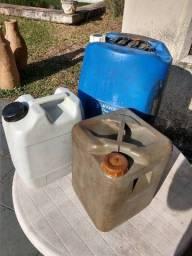 Galões Plásticos Bombonas para Combustível<br><br>