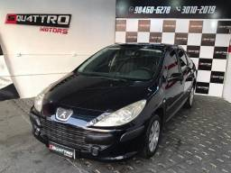 307 Sedan Presence 1.6 Manual Financio s/ entrada pra vender hoje 16.800,00 Repasse