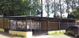 vendo estrutura de telhado ferragem e parte elétrica