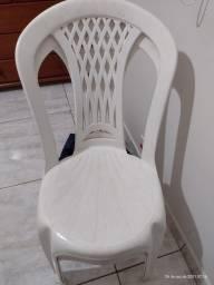 Título do anúncio: Cadeiras plásticas seminovas