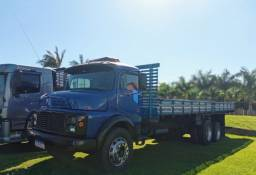 Mercedes Benz 1313 truck carroceria