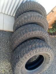 Título do anúncio: Jogo de pneus 315 75 16
