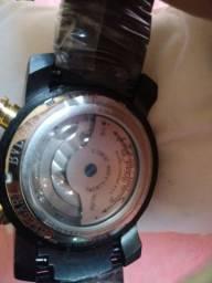 Vendo um relógio Blvgari
