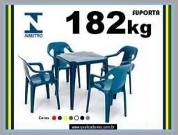 jogo de mesa com poltronas suporta 182kg'