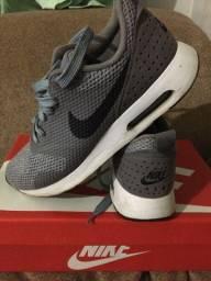 Tenis Nike Air Max Tavas 39