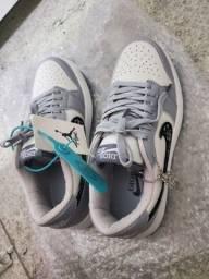 Tênis Air Jordan 1 Nike x Dior