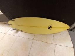 Título do anúncio: Prancha de surfe .