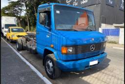 Título do anúncio: Caminhão 710 p/ VENDER LOGO