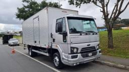 Ford Cargo 1119 4x2 2018 Baú 42 mil KM