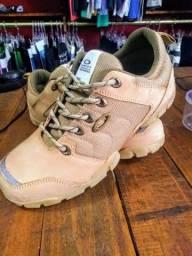 Boot Oakley Bege Halftrack