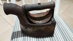 Ferro chaminé antigo