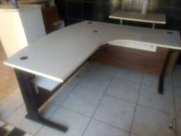 Mesa em l e balcão