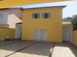 Casa contendo 2 quartos 1 banheiro