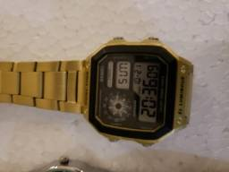 Relógio Vintage Digital Dourado