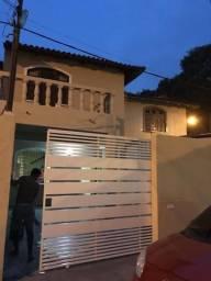 Aluga-se casa dois pisos no Resid. Icarai, próximo ao Araújo Mix e Universidades
