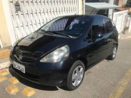 Honda Fit 2006/2007 LX - 1.4 gasolina - 2007