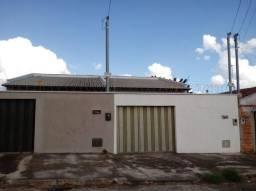 Casa  com 3 quartos - Bairro Residencial Itaipu em Goiânia