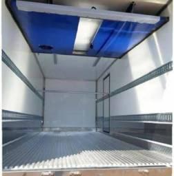 Agrega-se caminhão refrigerado com divisória