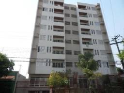 Apartamento no Ed. Santa Mônica Park
