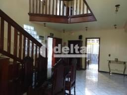 Casa para alugar com 4 dormitórios em Brasil, Uberlandia cod:618872