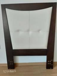 Cama Box de solteiro com cabeceira em madeira