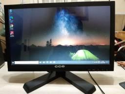 Monitor Led CCE 15,6 polegadas, saída VGA em ótimo estado de conservação Funcionando tudo