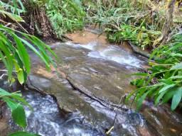 Chácara com Riacho Cascata
