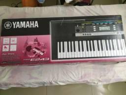 Teclado Yamaha R$800,00