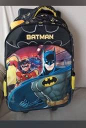 Kit mochila e lancheira infantil do Batman Novo sem uso. Aceito cartões ate 12x