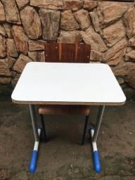 Título do anúncio: Mesa escolar
