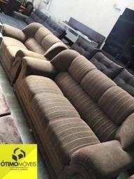 Sofá 2 e 3 lugares bem conservado  Tecido  de chenille Marrom R$:790,00