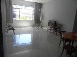 Excelente apartamento na Av Maracana em frente ao estádio do Maracanã com 128 m2