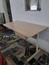 Mesa de escritório 120x60cm em mdf e metalon