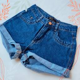 Short Jeans com botões encapados e barra dobrada Tamanho 36