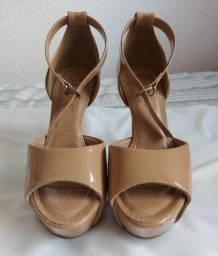 Sandália de salto bebecê