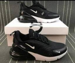 Nike 270