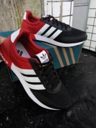 Tênis Adidas Preto e Vermelho (Frete Gratis)