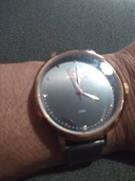 Lindo relógio Thecnos