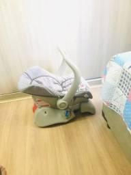 Bebê conforto com a base
