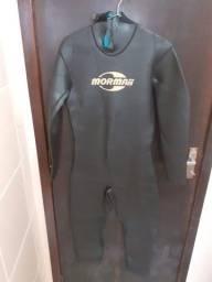 Vendo roupa de mergulho longa