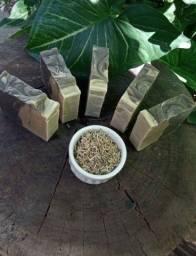 Sabonete natural de argila preta e branca & lavanda