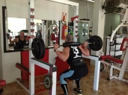 Aparelhos de musculação academia