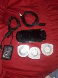 Vendo PSP Com Mais Dois Jogos e Carregador