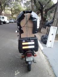 Motoboy a procura de entregas