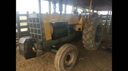 Trator Cbt 2105 muito novo